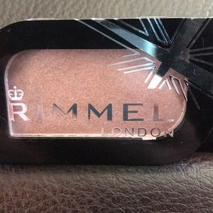 ❤️ 3/$10 Rimmel Magnif'eyes Mono Eyeshadow